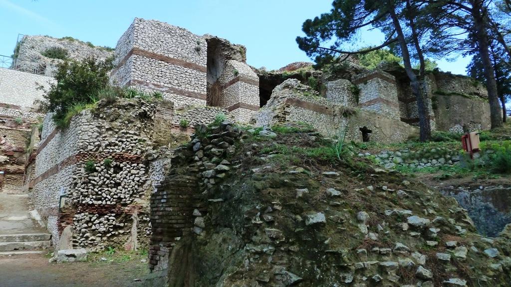Vor Tiberius' Palastanlage - dieser wurde um das Jahr 27 n. Chr. errichtet