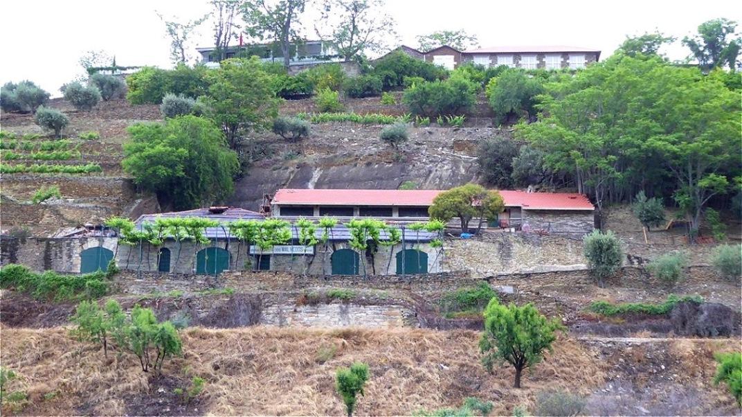 Malerische alte Bauernhäuser und Weingüter