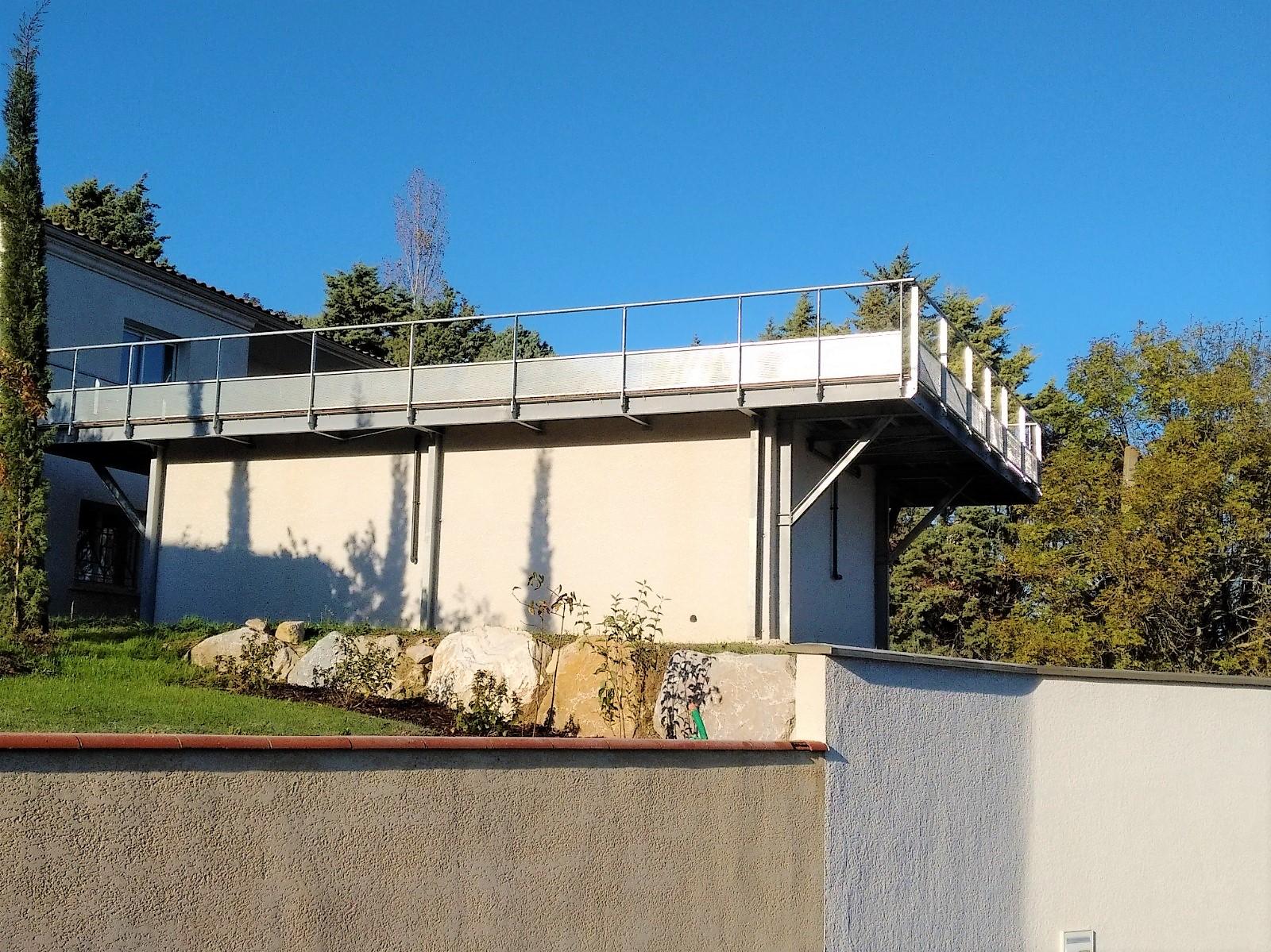https://0501.nccdn.net/4_2/000/000/001/4e0/terrasse-piscine.jpg