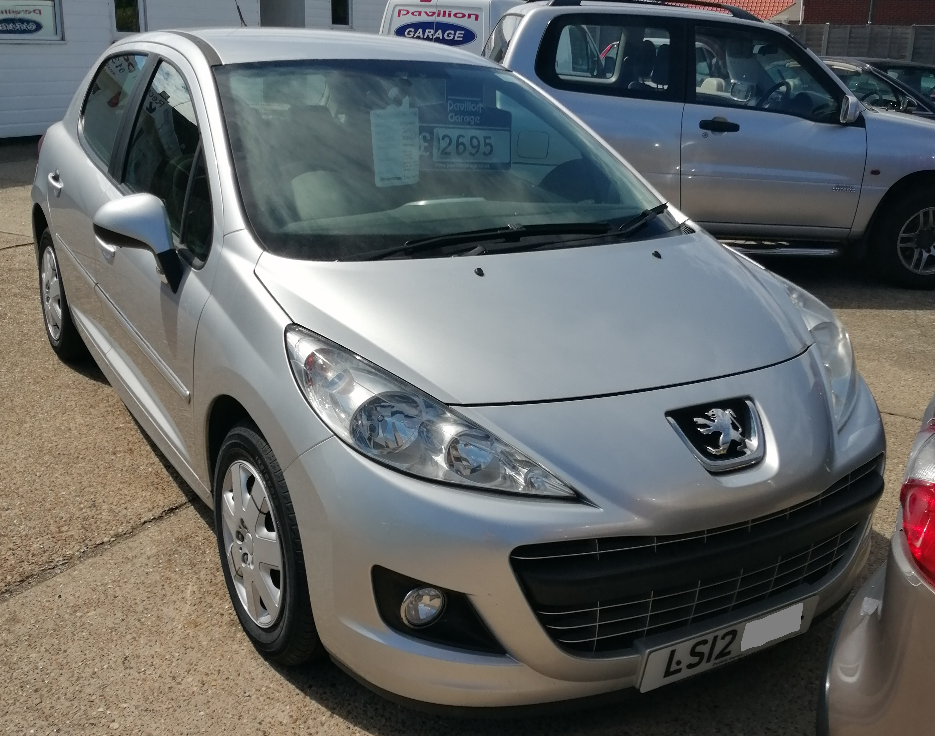 Peugeot 207 Active 1360cc - Petrol 2012 / 12 99,900 miles Service History Cam Belt Replaced Spare Key £160 per year Road Tax £2695