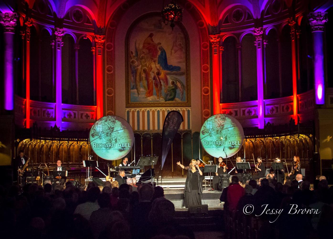 """Spectacle """"Autour du monde"""" avec Richard Abel à l'Église de Granby @Jessy Brown"""