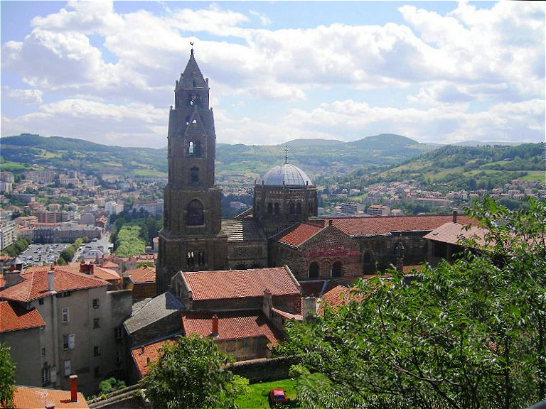 """Kathedrale - Le Puy-en-Velay ist der Ausgangspunkt des französischen Jakobsweges """"Via Podiensis"""""""