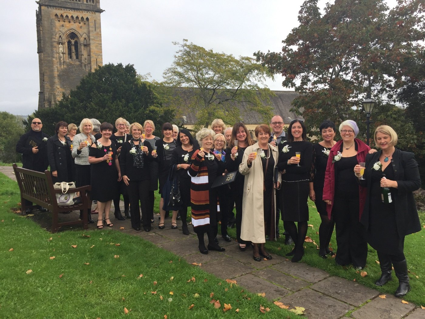https://0501.nccdn.net/4_2/000/000/008/486/Choir-at-Llandaff-1400x1050.jpg