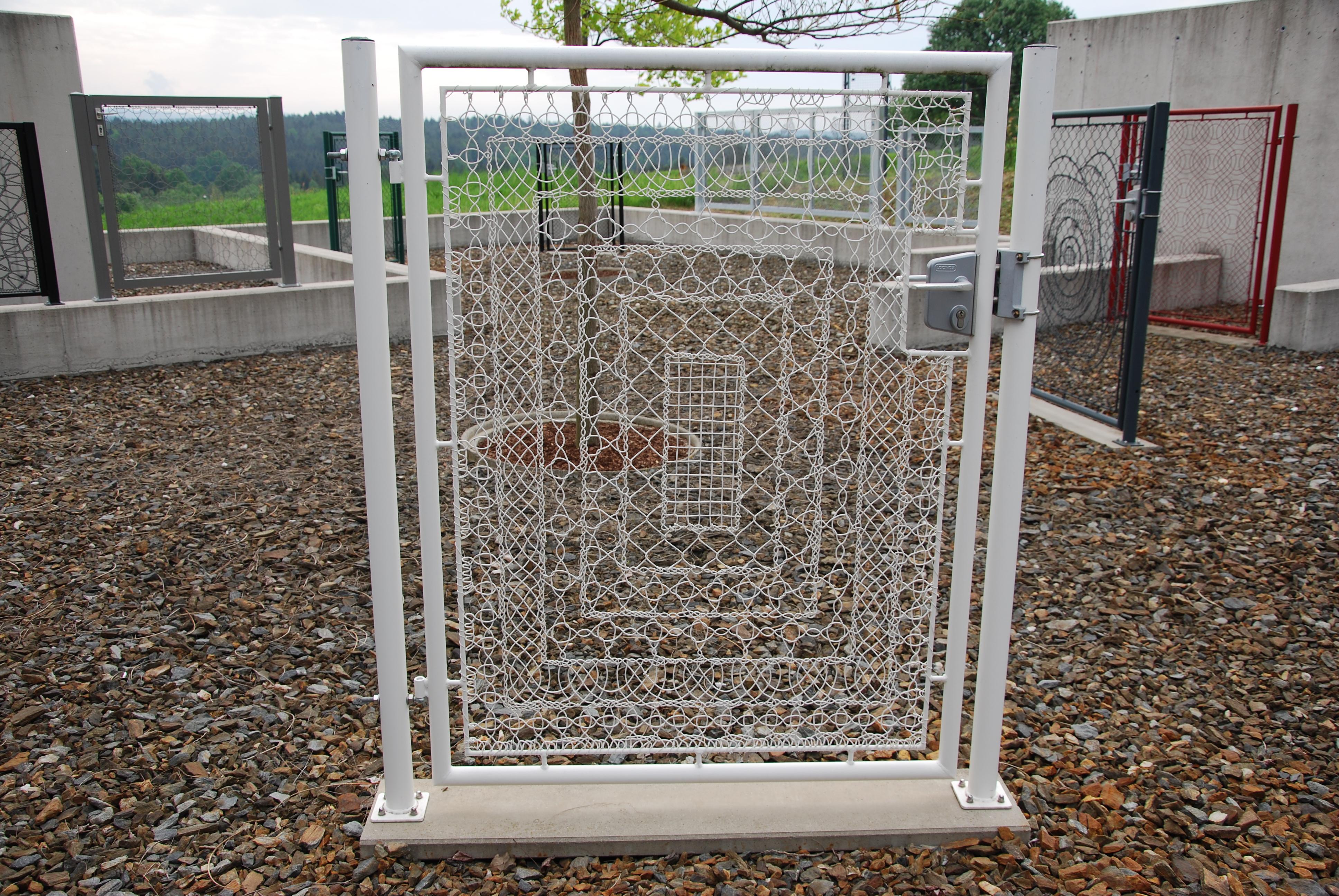 Lace Fence Designtür - € 500,-