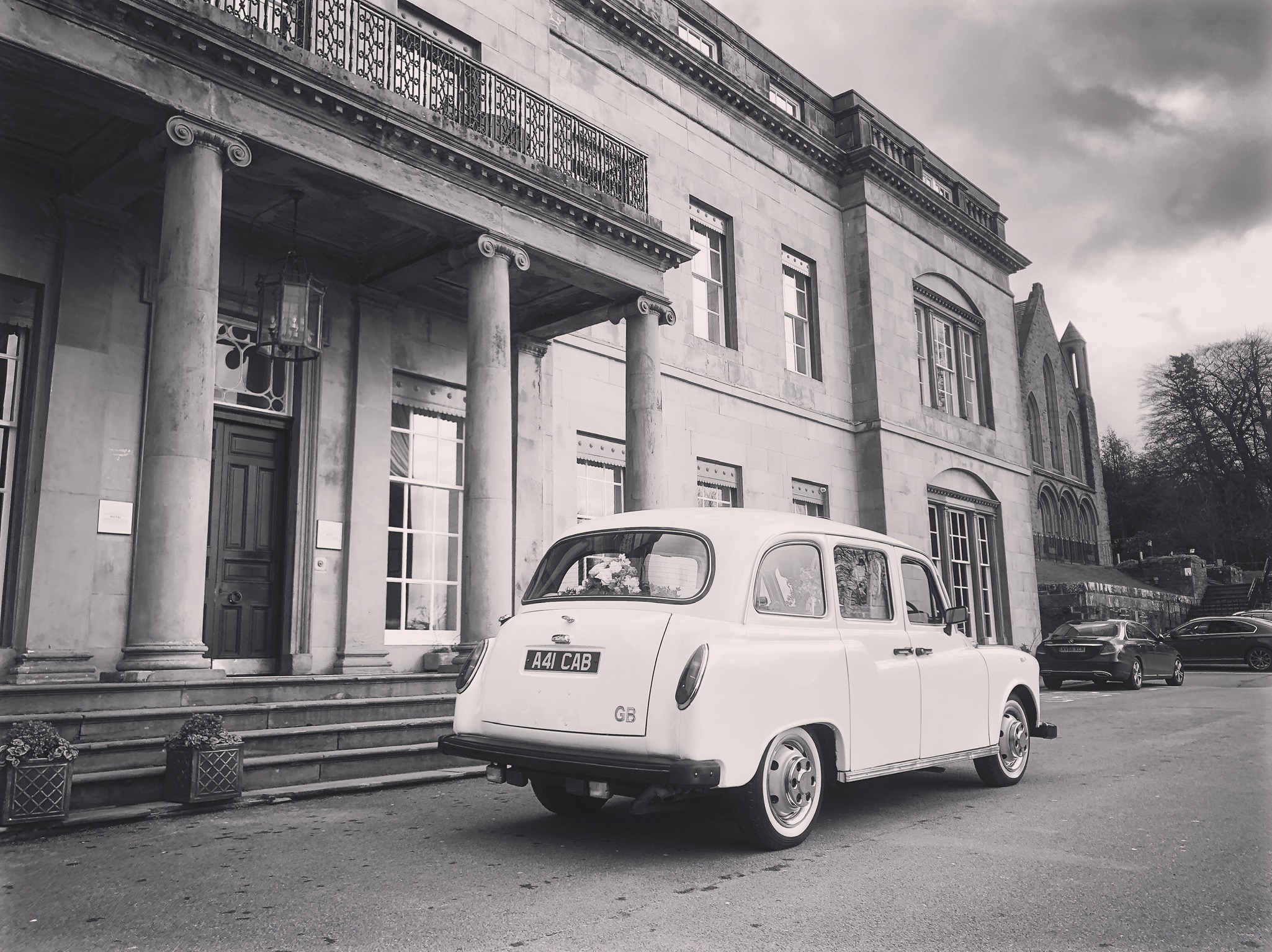 Shrigley Hall wedding taxi car