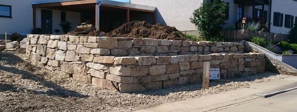https://0501.nccdn.net/4_2/000/000/008/486/Wurfsteinmauer--21--1024x388.jpg
