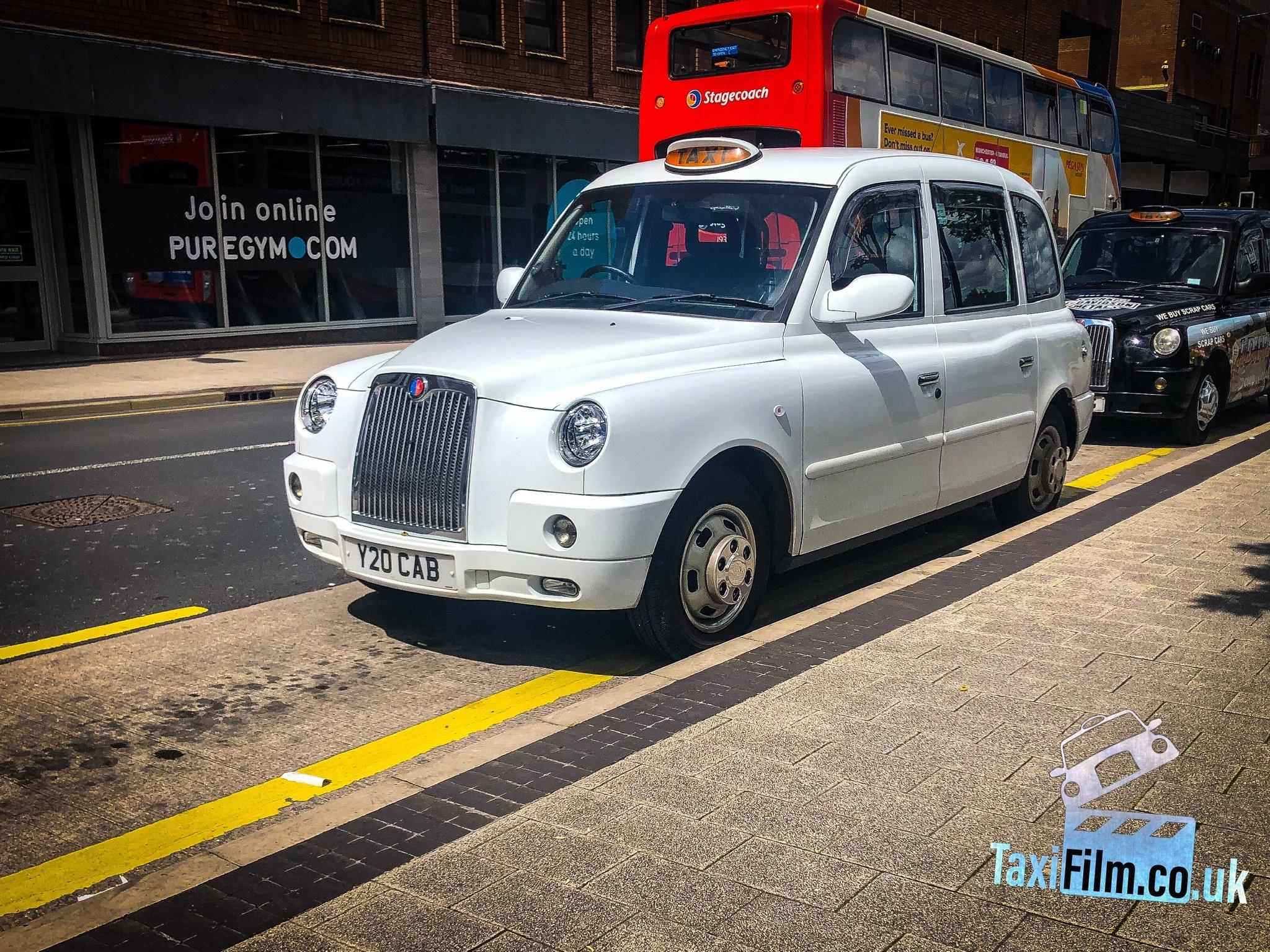 White Tx4 Taxi, ref 0007 prop car