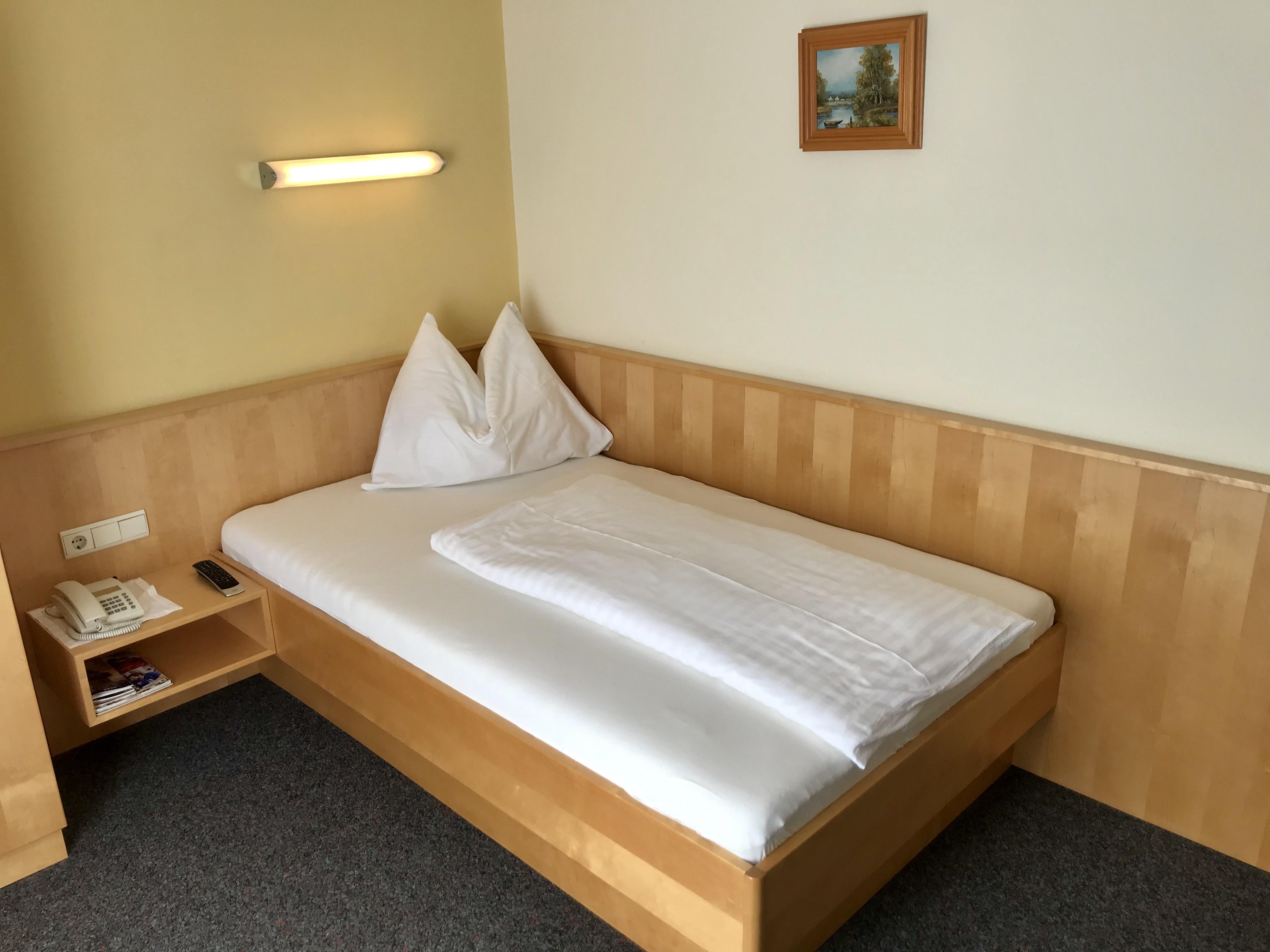 Zimmer Nr. 2 - Einzelzimmer (Größeres Bett)