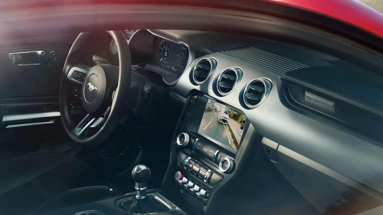 https://0501.nccdn.net/4_2/000/000/009/8da/Ford-Mustang-eu-3_MUS_41384_L_41433-16x9-2160x1215.jpg.renditions.extra-large-1440x810.jpg