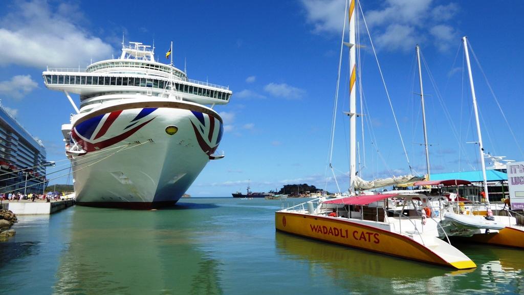 Britisches Kreuzfahrtschiff