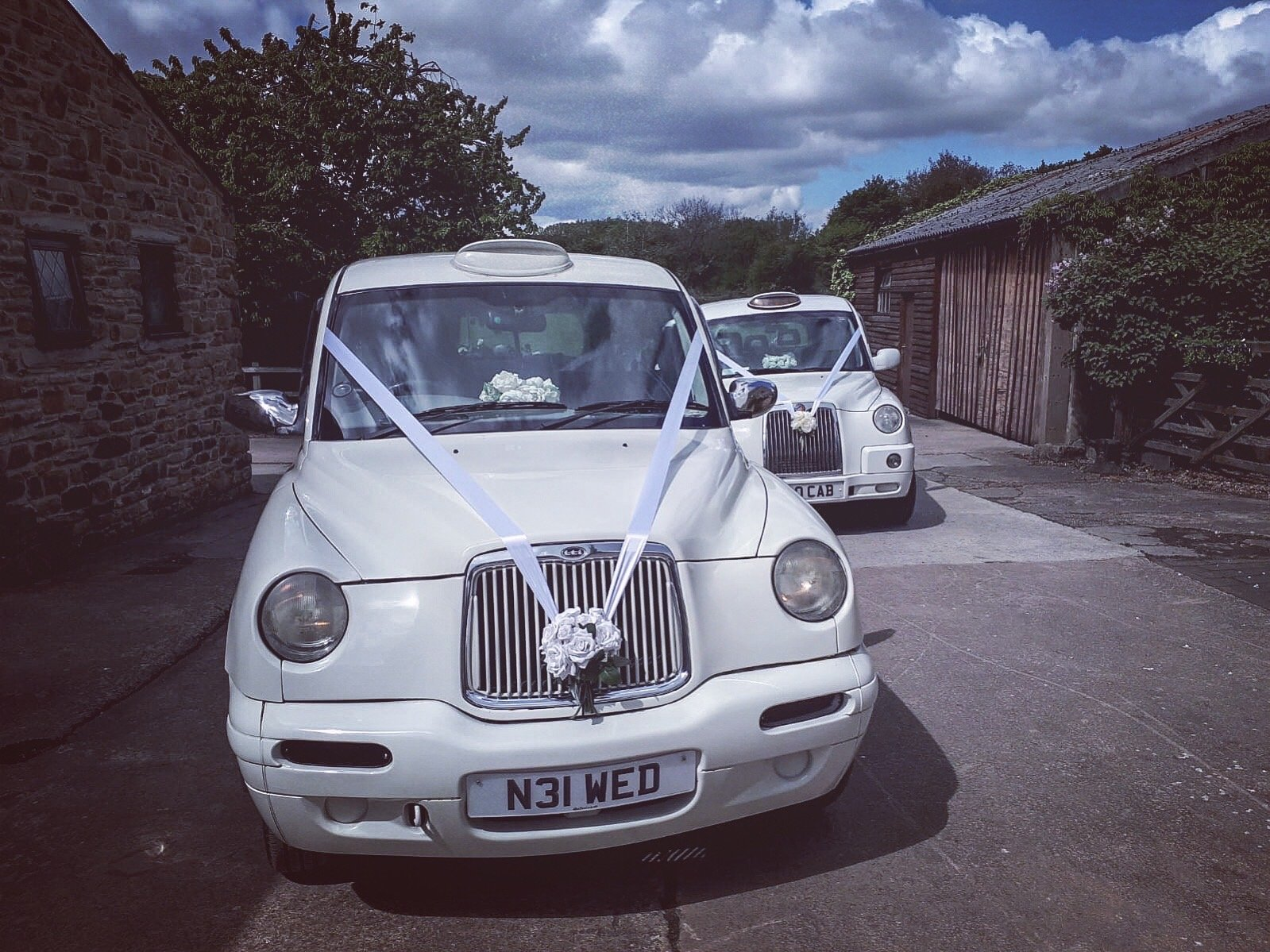 Romiley stockport wedding cars taxis