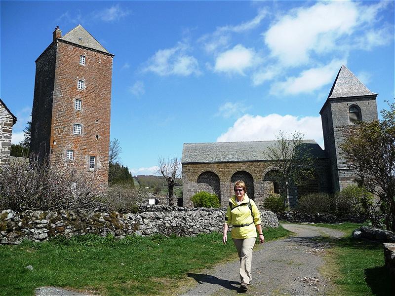 """Das erste Hospiz """"Hospice Notre-Dame des Pauvres"""" wird durch Adalard und seinen Helfern gegründet. Es versorgte viele Jahrhunderte die Reisenden und Pilger, sowie die Armen der Region"""