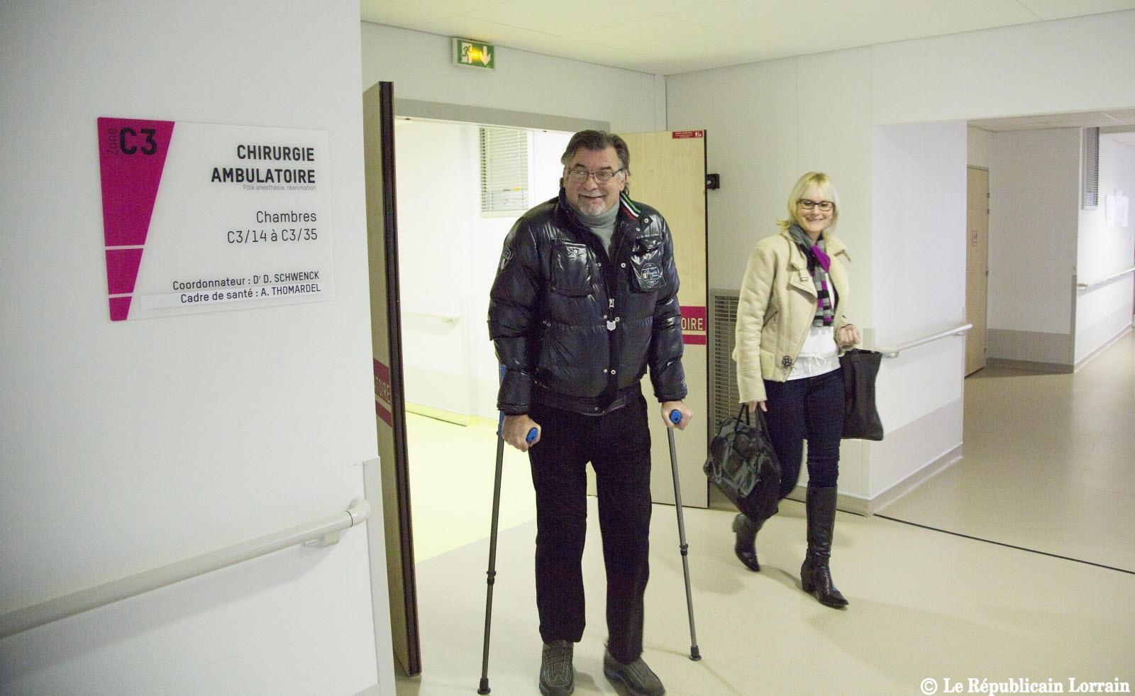 CINEMA: le patient quitte l'hôpital quelques minutes après  implantation d'une prothèse totale de genou