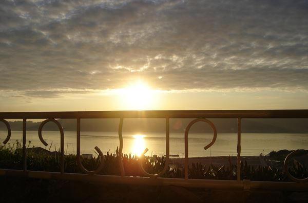 avec un des superbes couchers du soleil