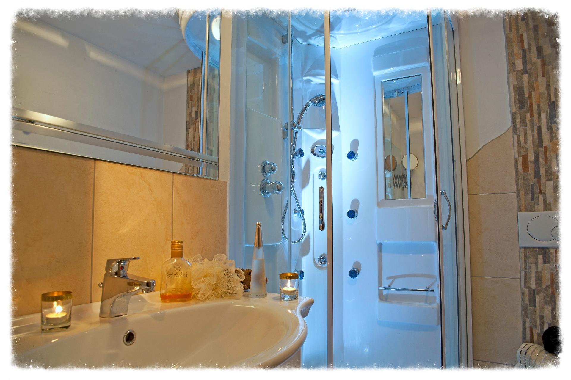 Dusche/WC Ferienwohnungen