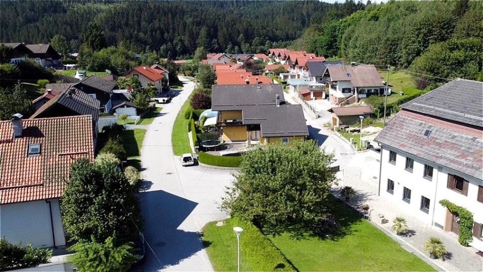 Blick nach West über die Kobernaußerwaldstraße