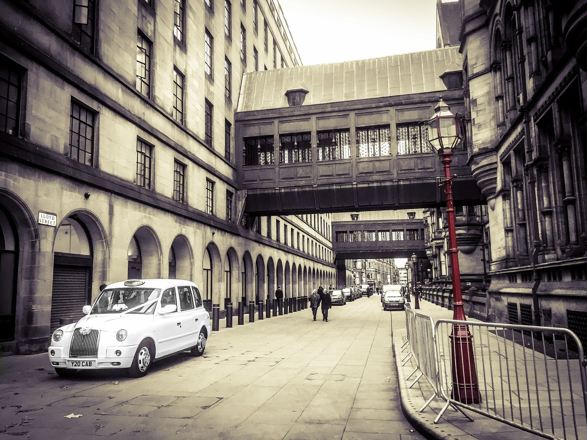manchester town hall taxi wedding lloyd street