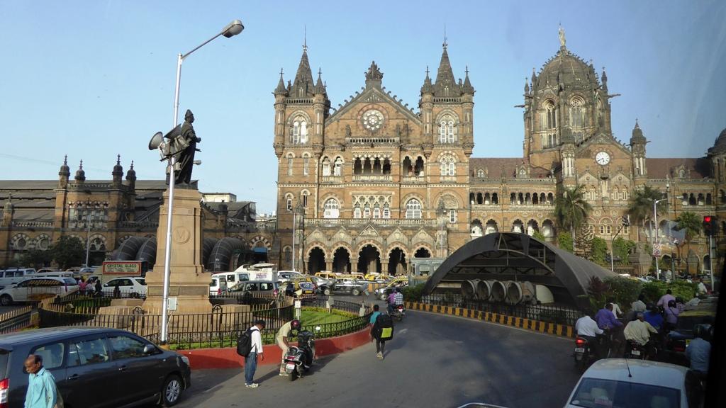 Der Bahnhof von Mumbai hieß bis 1996 - Viktoria Station