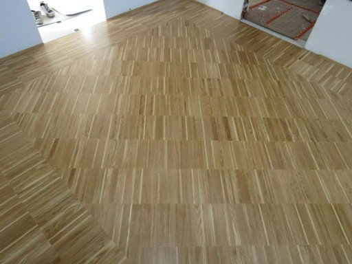 INDUSTRIES  PARQUET  Industries parquet gives your home a modern look, as it perfectly matches.