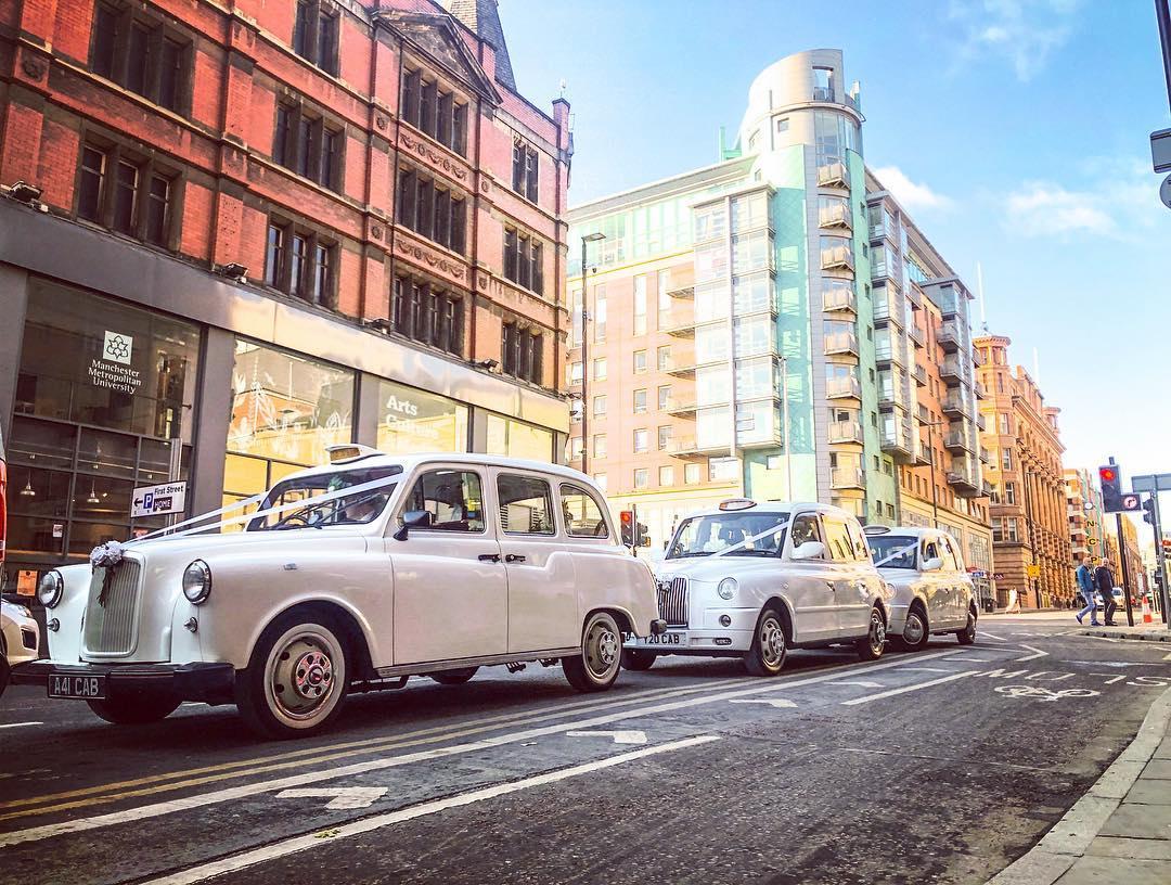 https://0501.nccdn.net/4_2/000/000/017/e75/wedding-taxis-manchester-12.jpg