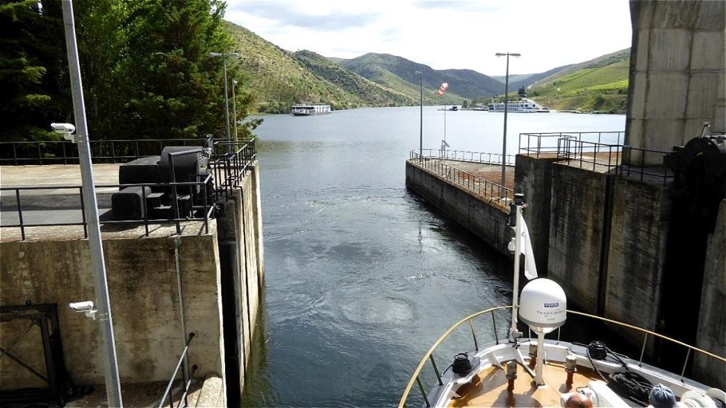 Schleusenausfahrt - Valeira Damm