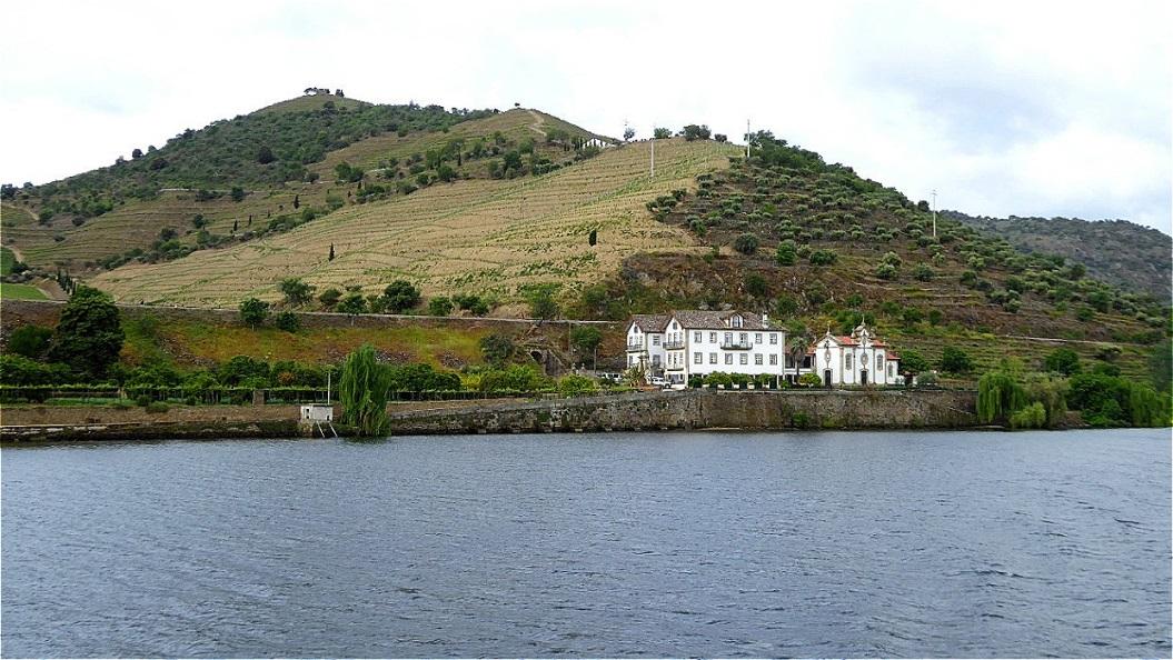 Malerische Quinta (Weingut) am Flussufer