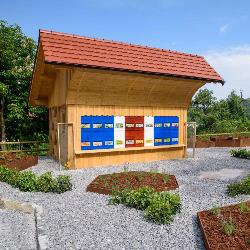 Čebelnjak in park medovitih rastlin