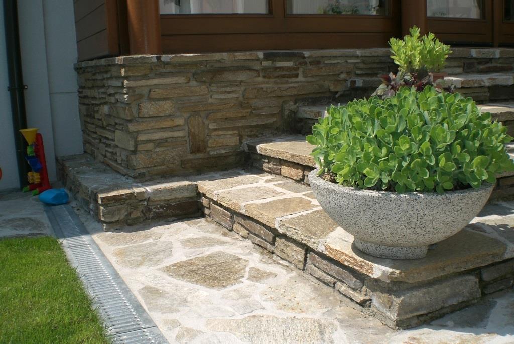 Stufenplatten, Wegplatten, Mauer-und Pfeilersteine