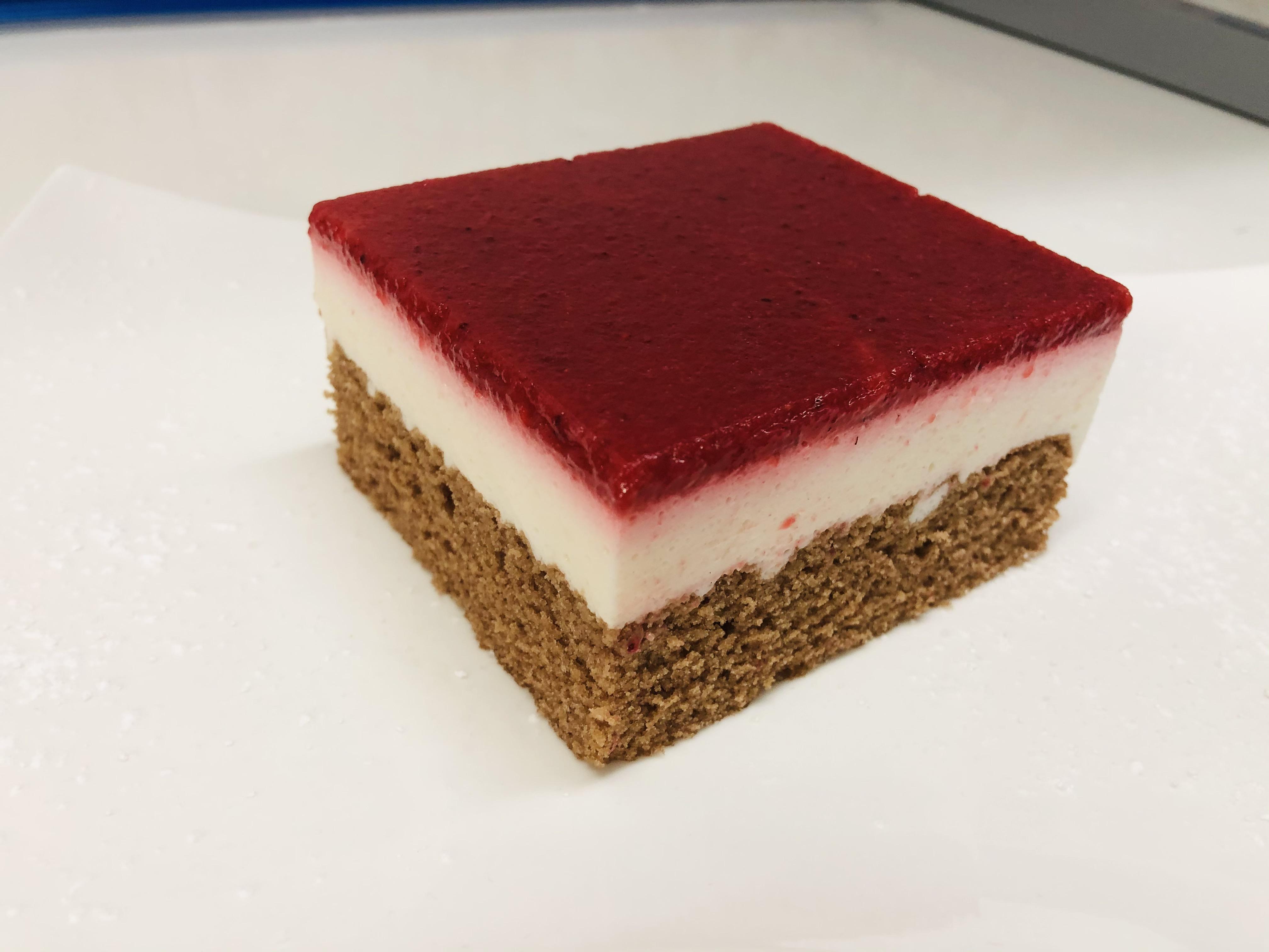 Joghurt-Erdbeerschnitte