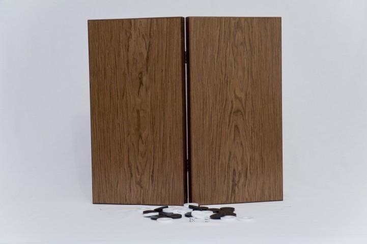 ΚΩΔ. 1048ΞΚαρυδιά   Τάβλι Καρυδιά 50x50cm