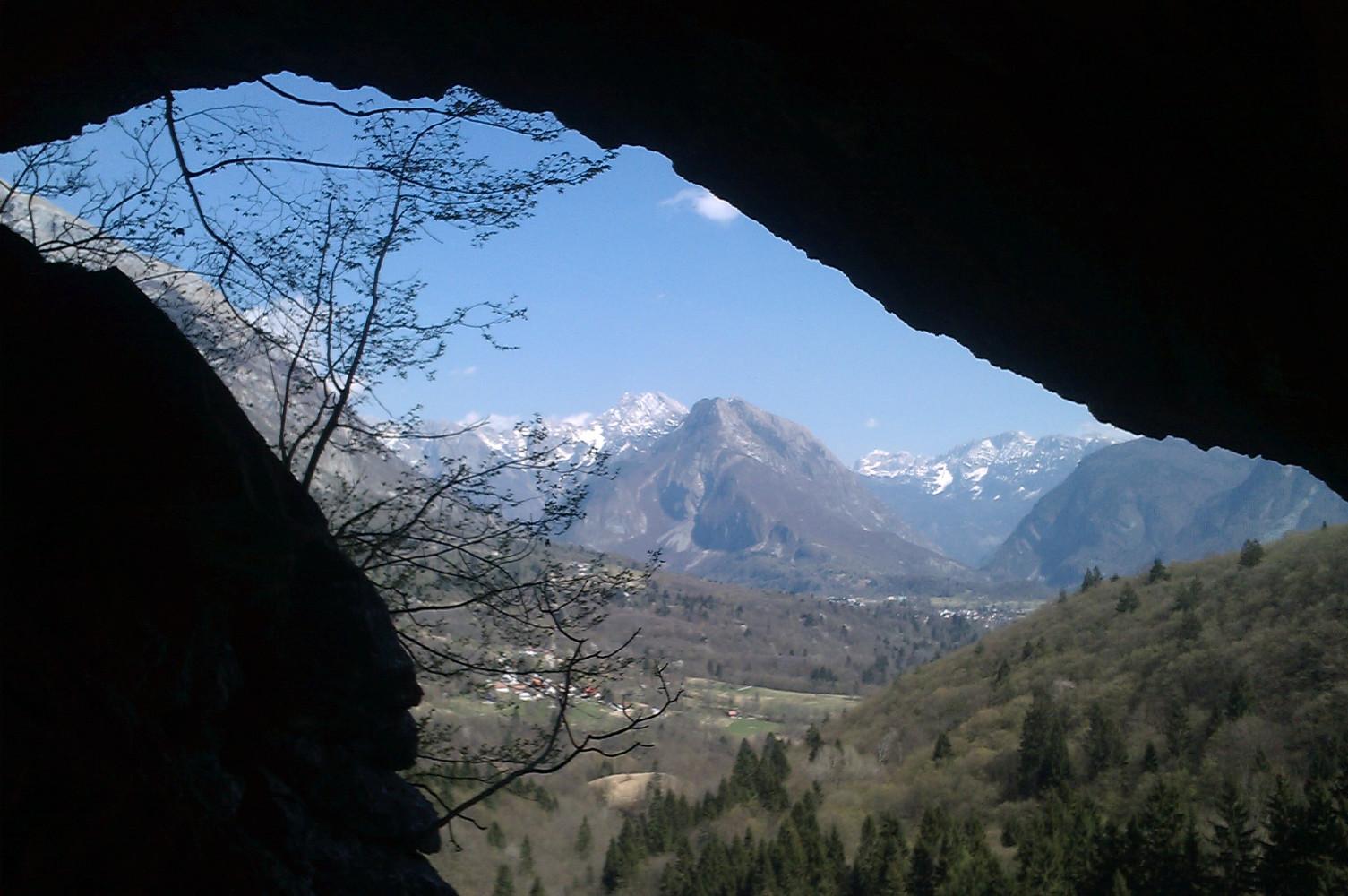 Pogled iz jame Srnica