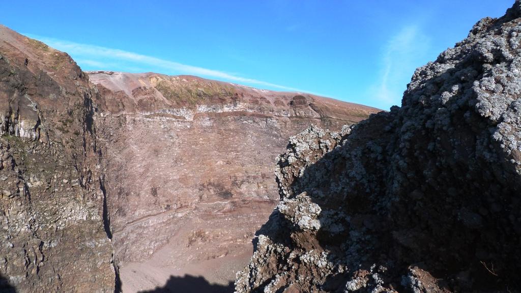 Der Kraterrand im Osten