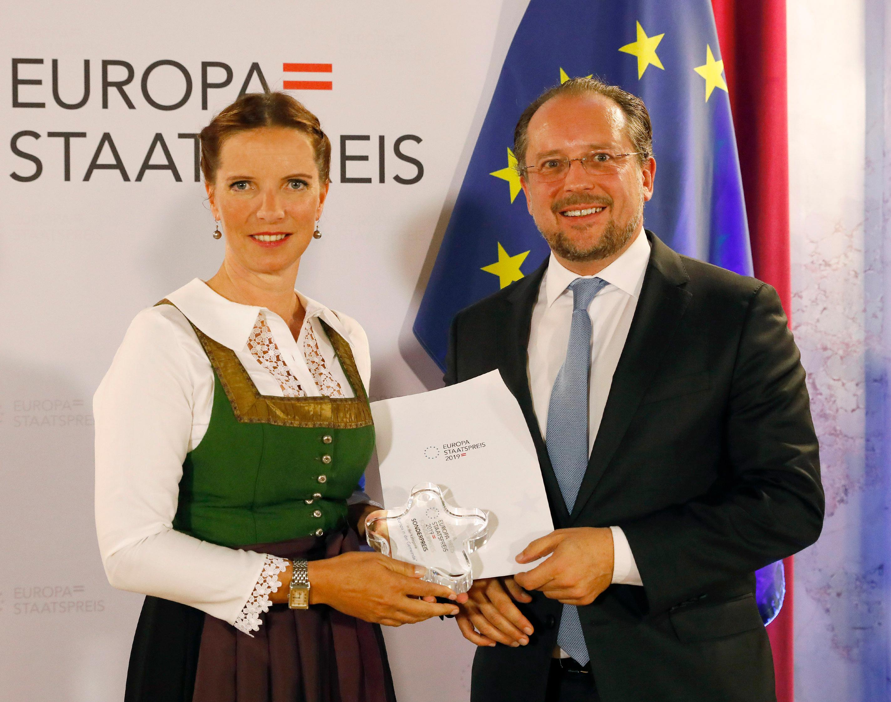 Verleihung des Staatspreises durch Außenminister Alexander Schallenberg im Sept. 2019 (C:DraganTatic)
