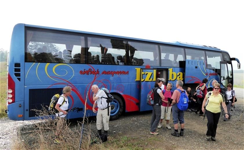Der Bus bringt uns zum Startpunkt unserer Wanderung
