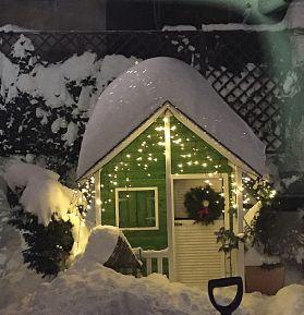 Căsuța Clara pentru Alex - vedere în seara de Crăciun