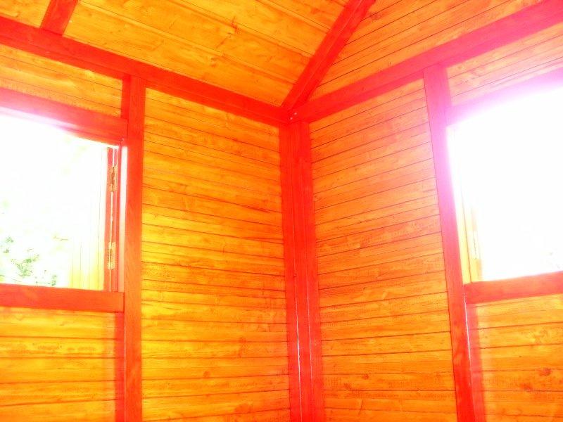 Căsuța Rhea în nuc - vedere de interior