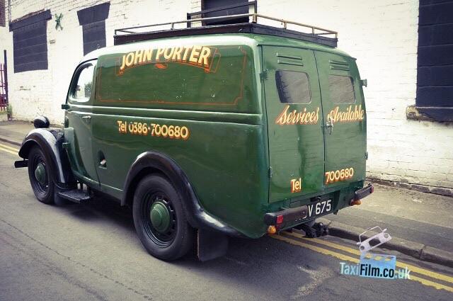 Green Thames Van  1940's, Bolton ref C0007