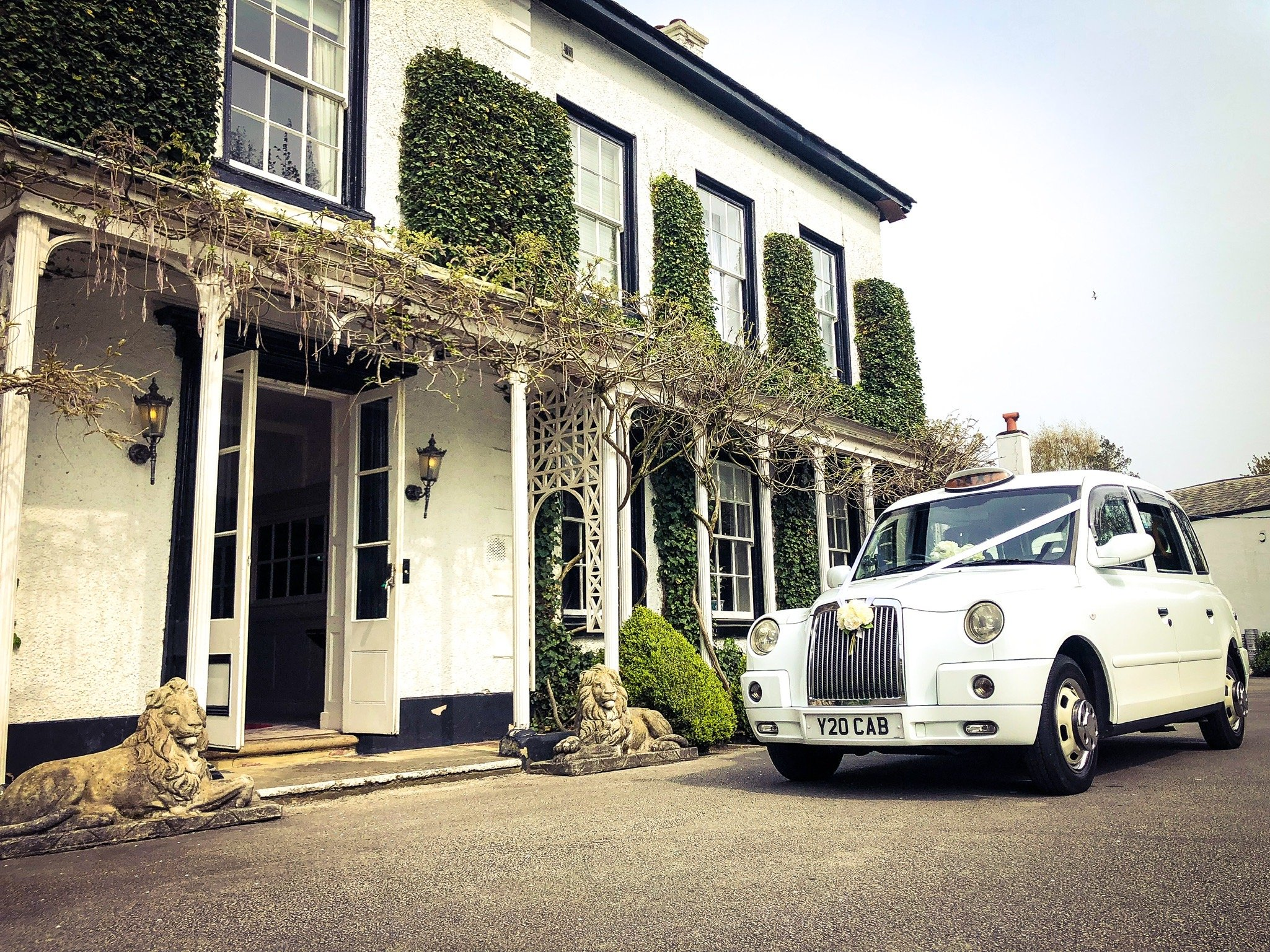 Wedding cars taxis cabs Lymm
