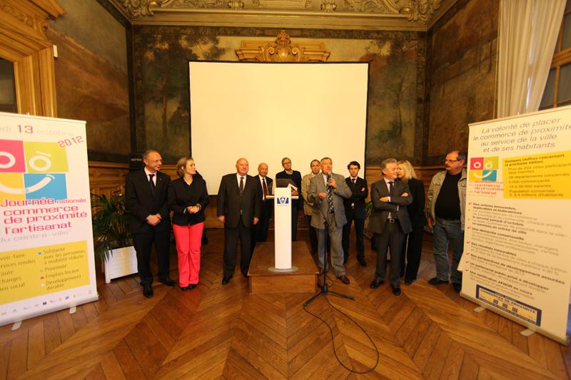 Cérémonie de remise du label national à la Mairie de Vanves.