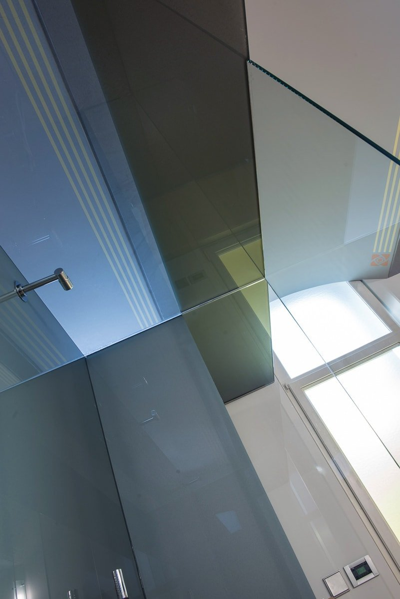 Steklena tuš kabina
