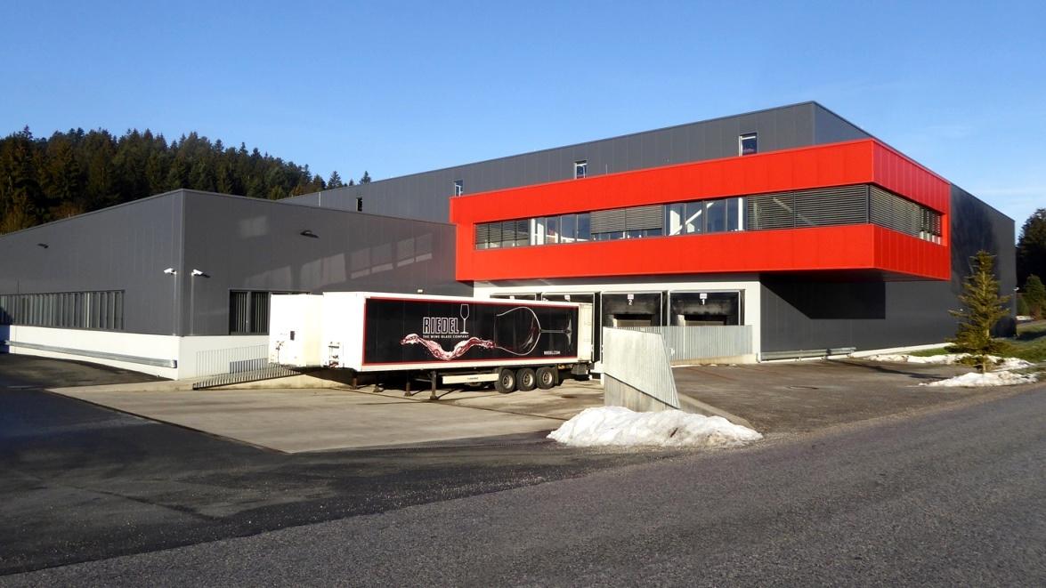 Der traditionsreiche Innviertler Glasort erhielt im Zuge der Neustrukturierung der Riedel-Gruppe eine neue Aufgabe.