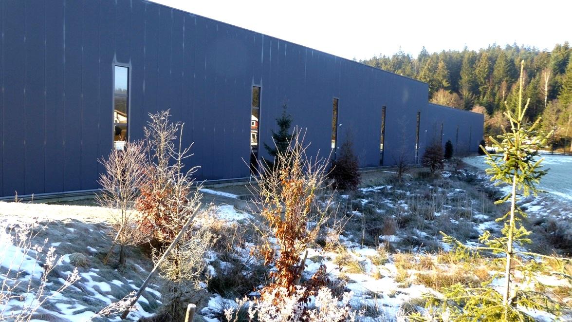 Von hier wird Glas der Tiroler Glashütte RIEDEL Kufstein in die ganze Welt exportiert