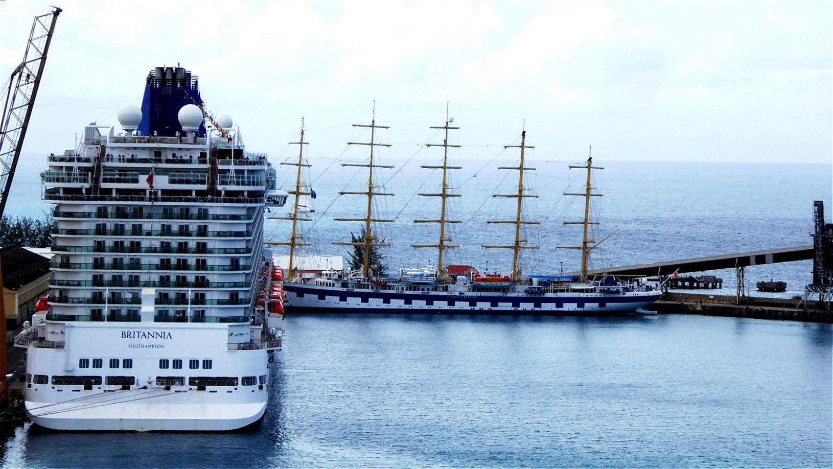 """Die """"Britannia"""" liegt im Hafen"""