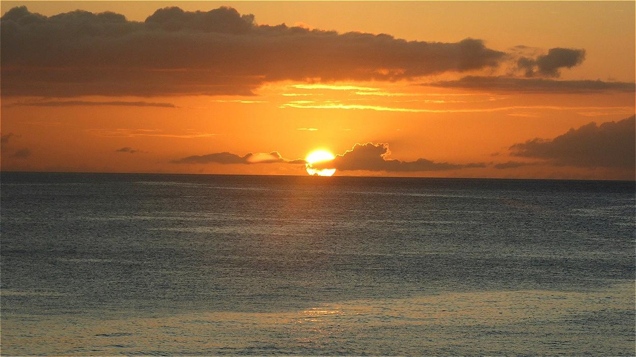 Die Sonne versinkt im Meer !
