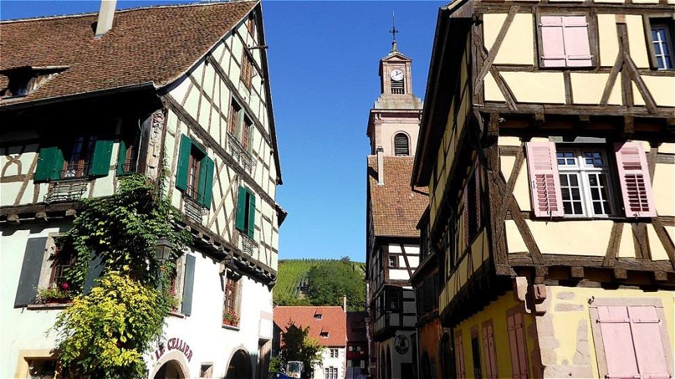 Rue des Trois Églises