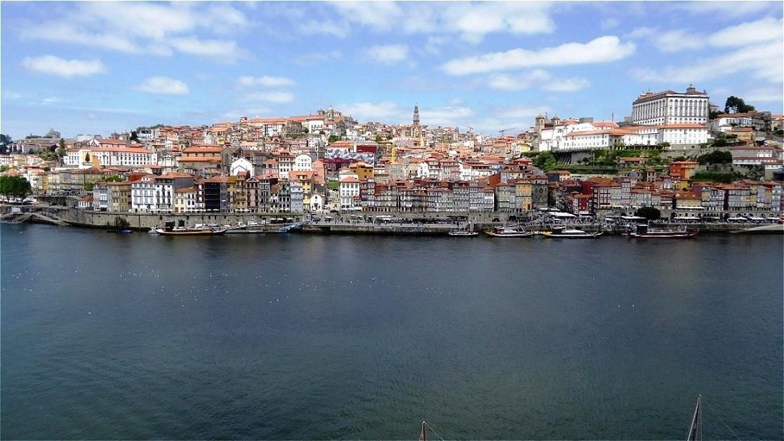 Blick hinüber zur Altstadt Portos