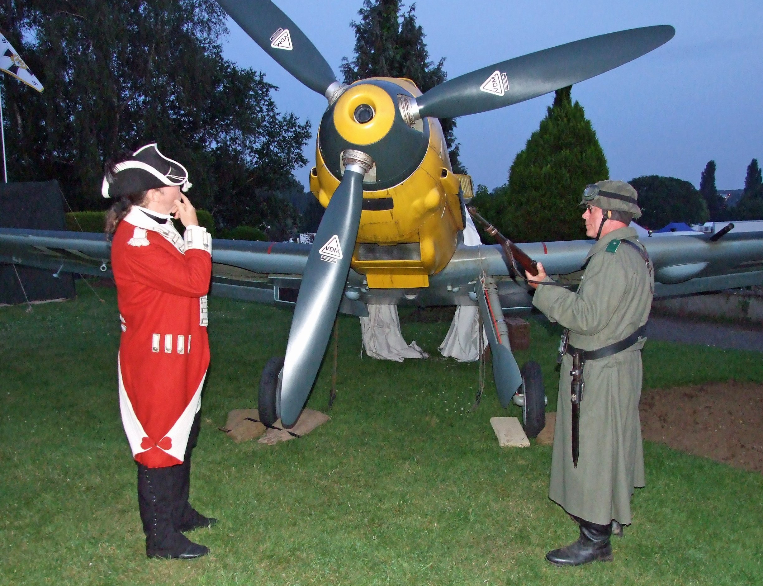 Red Coat soldier is understandably puzzled by the Bf109!