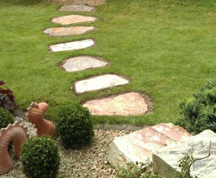 Trittplatten und Stufensteine