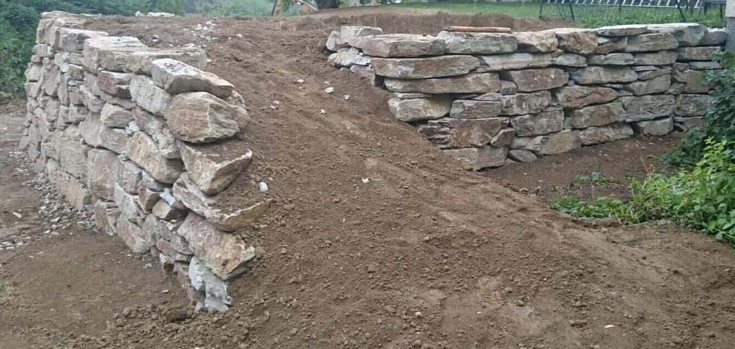 unförmige Wurfsteine