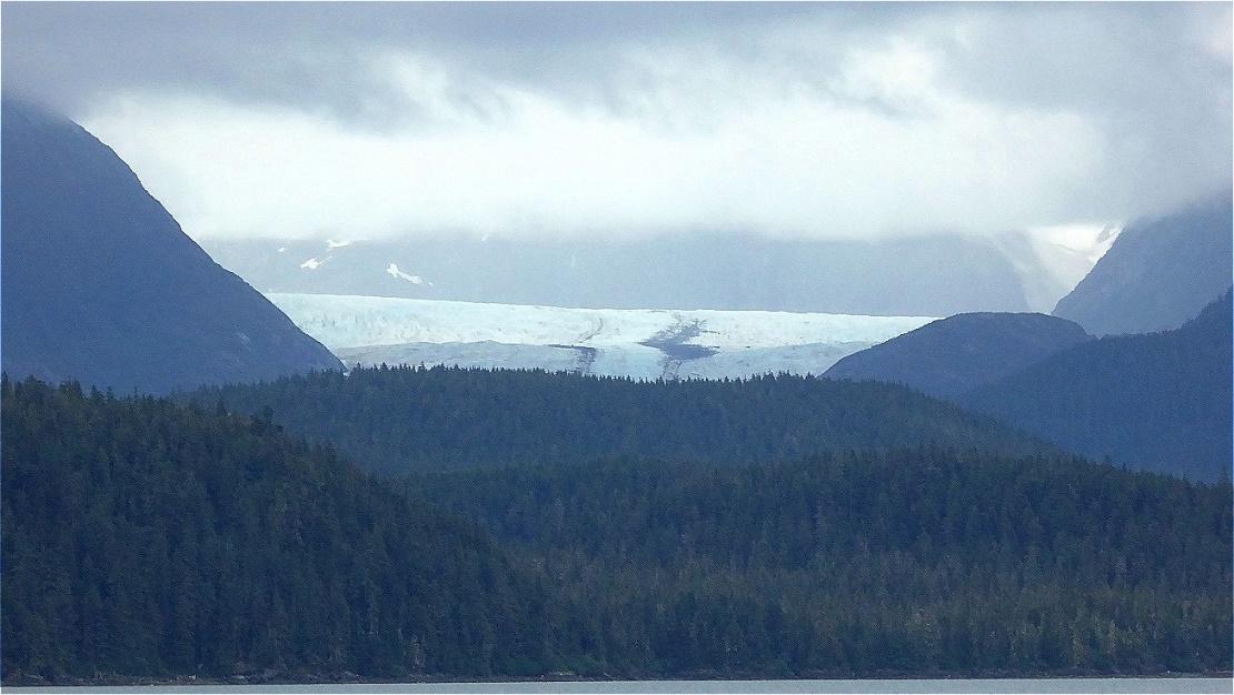 Gletscher über dem Meer